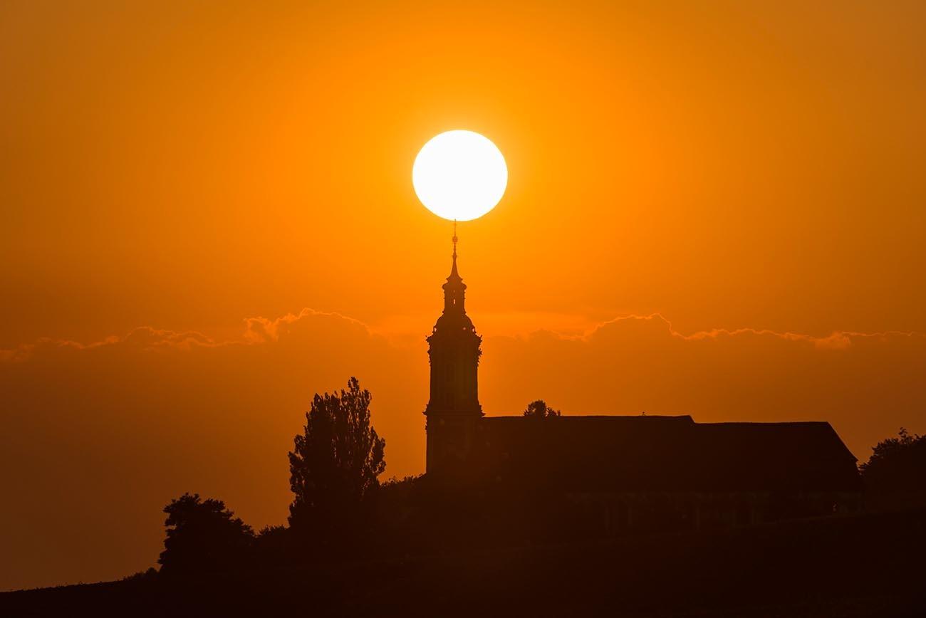 Birnau 0339-2013, Kirchensilhouette im Sonnenuntergang